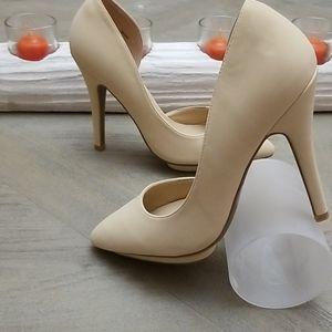 NWT Charlotte Russe Heels